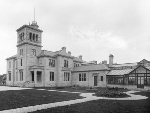 Photograph of Seafield House in 1890
